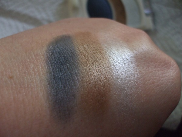 Almay Smoky-i for Blues eyeshadow Review