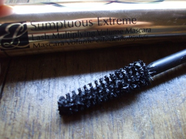 Estee Lauder Sumptuous Extreme Mascara review with pictures