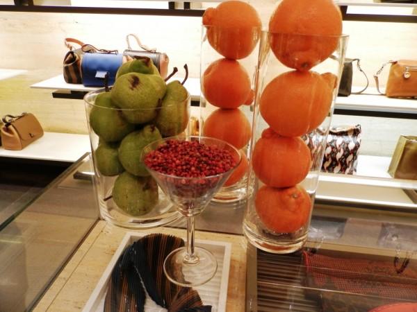 Fan di Fendi top notes: Pear, Tangerine, Pink Pepper. Clever ne?