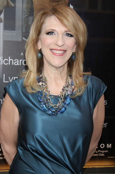 Lisa Lampanelli (who, by the way, lost in the region of 45kg in the past year according to the tabloids) is definitely a Maximum Cover kinda girl, I can tell at first glance.