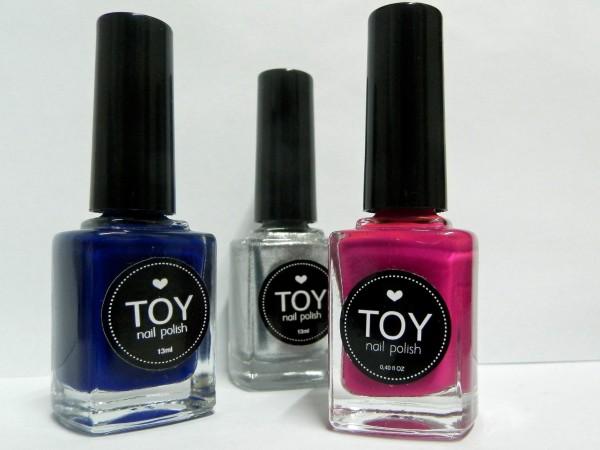 TOY nail polish in Azul Oscuro, Plata and Fucsia