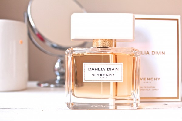 Givenchy Dahlia Divin review {Friday Fragrance Fix}