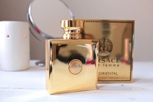 Versace Oud Oriental Pour Femme {Friday Fragrance Fix is baaaack!}