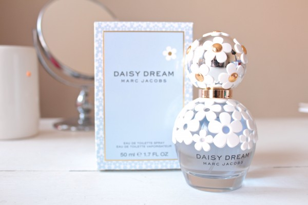 marc jacobs daisy dream bottle and box