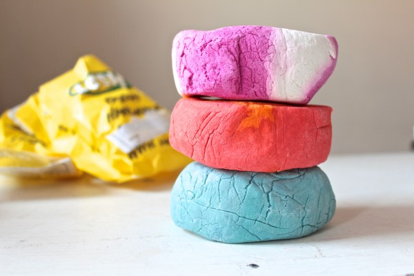 The 200g bubble bars from top to bottom: The COmforter, Brightside and Blue Skies