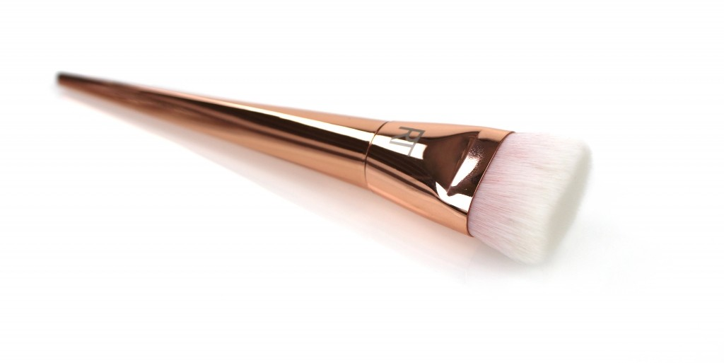 RT Bold Metals FLAT CONTOUR brush